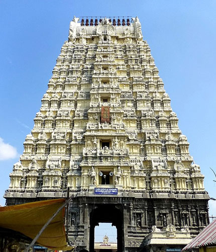 Ekambareswarar Temple is a Hindu temple dedicated to Lord Shiva, located in the town of Kanchipuram in Tamil Nadu